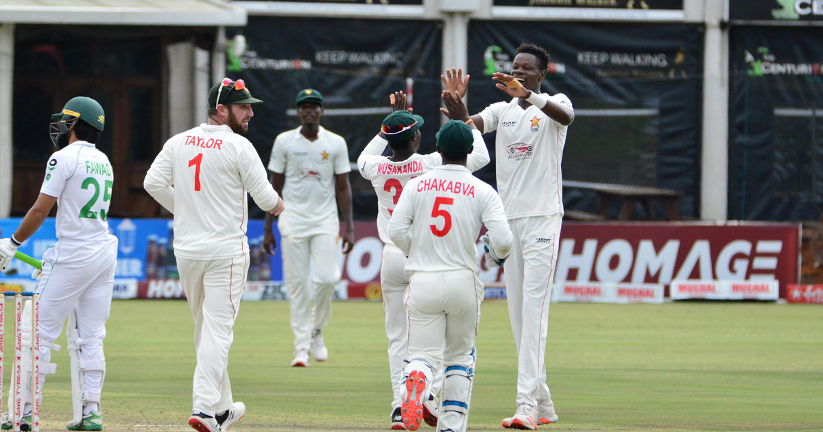 Zimbabwe go down to Pakistan in first Test